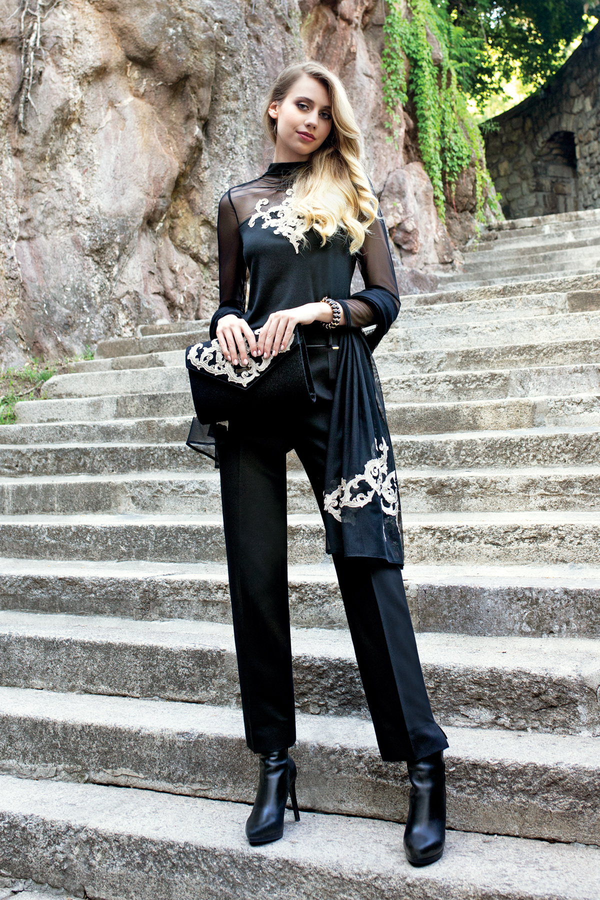 reputable site 5f25e 1bf71 Women's Luxury Clothes Online Store | Luna Fashion House